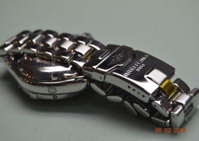 Detalle del pulido de un Breitling